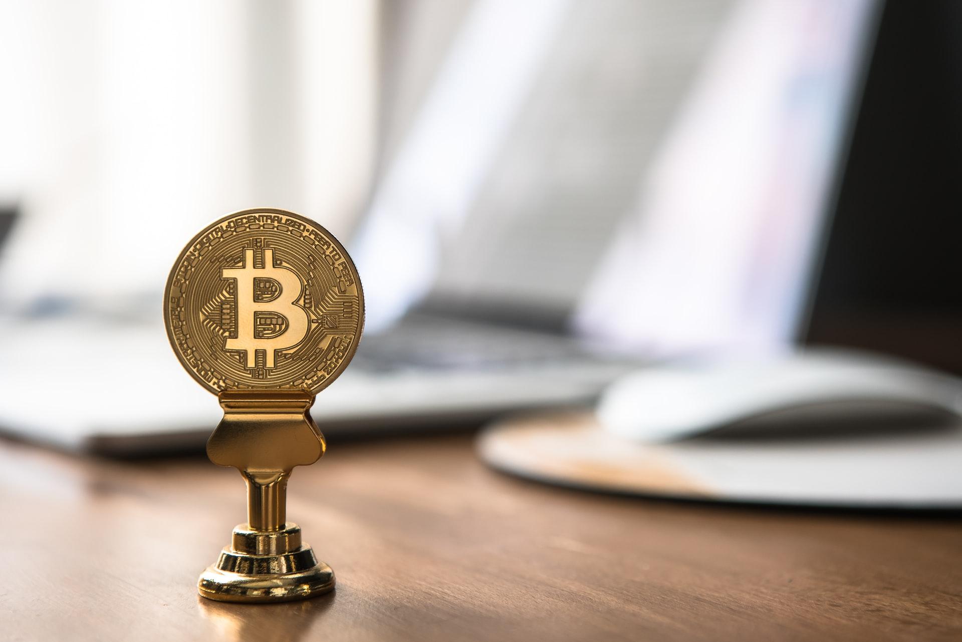perde lopzione binaria magic money the bitcoin revolution (2021)